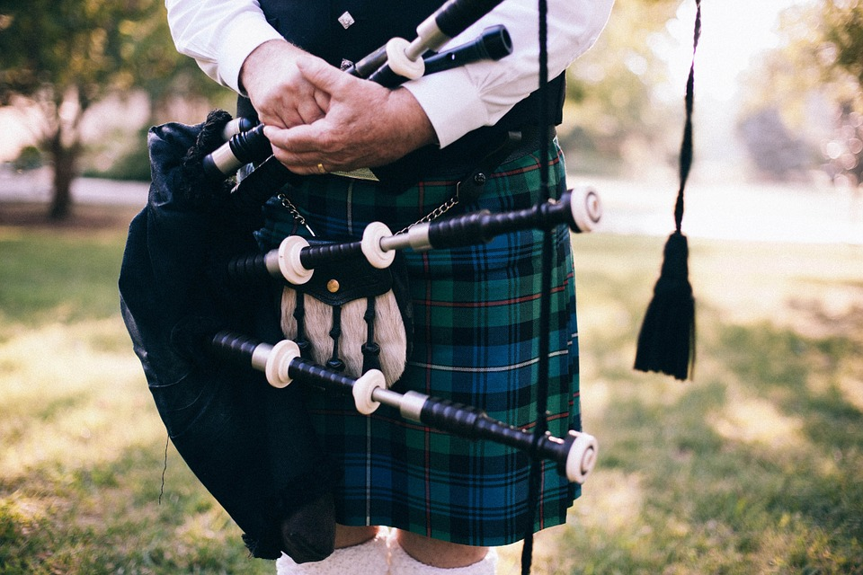 Image: Garbiel's Horns bagpipe for weddings, events, or any occasion!